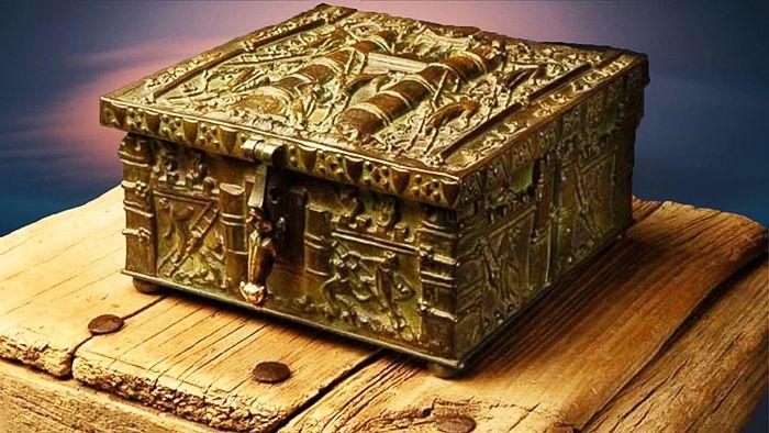 Sabemos que se han encontrado muchos objetos, por todo el mundo, que no encajan con la historia de la humanidad. Son considerados eleme...