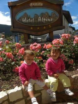 Il doppio di risate e divertimento nell'estate di Andalo - Trentino! Tanti consigli e proposte dell'Alpino family Hotel per le vacanze con i gemelli su www.familyhoteltrentino.it  #familyhoteltrentino #trentino #family #famiglia #bambini #kinder #kids #children #mamma #mum #mummy #trentinofamiglia #vacanza #hotelbambini #gemelli #twins #estate #summer #paganella #dolomitipaganella #dolomiti #andalo #alpinofamilyhotel #andaloforfamily