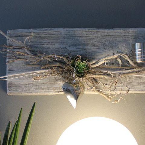 wd45 edle wanddeko aus altem holz altes holz wei gebeizt dekoriert mit materialien aus der. Black Bedroom Furniture Sets. Home Design Ideas