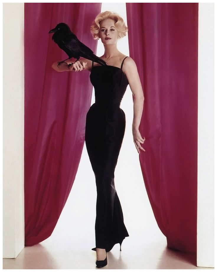 Tippi Hedren Publicity photo for The Birds.