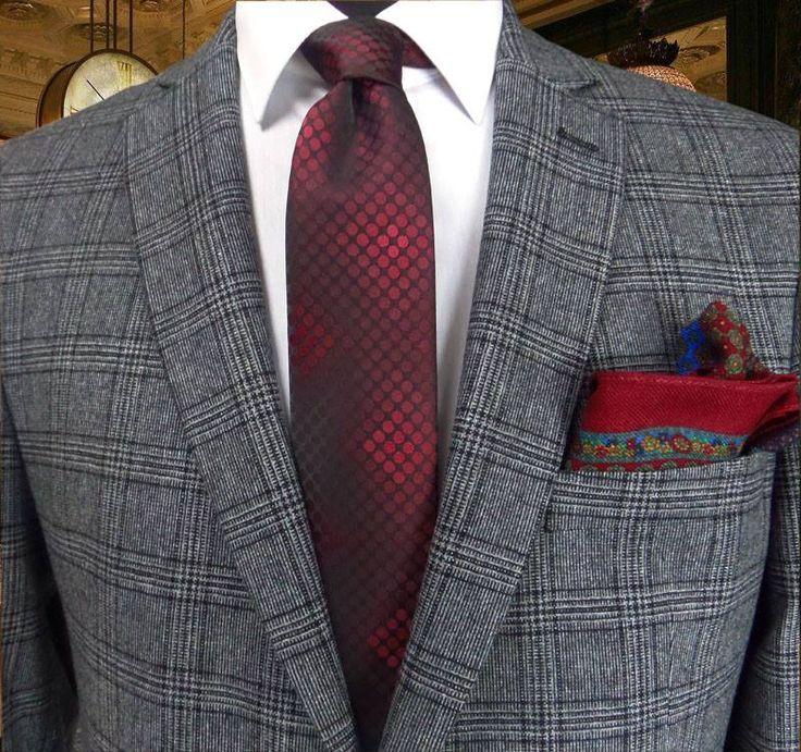 Kontrast Renklerin Uyumu Bordo Siyah Puantiye Desenli Kravat 5877 http://www.sadekravat.com/bordo-siyah-puantiyeli-kravat-5877 ve Yün Kravat Mendili M105 www.sadekravat.com/yun-kravat-mendili-m105   #kravatlar #kravatmodelleri #sadekravat #tie #necktie #pocketsquare #ipek #kravat #sadekravat #kahverengi #silk #kravatlar #kravatmodelleri #ipekkravat #tie #tieofday #pocketsquare #kravatmendili #kombin #mendil #yunkravat…