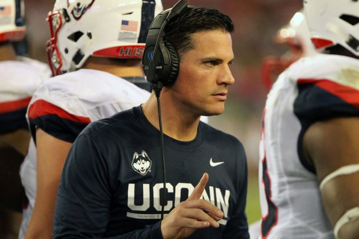 Davis: Time for Diaco to produce at UConn = The Connecticut football program has wasted no time starting the transition from 2016 to 2017. The Huskies played their final game Saturday and based on Monday's announcement that UConn will.....