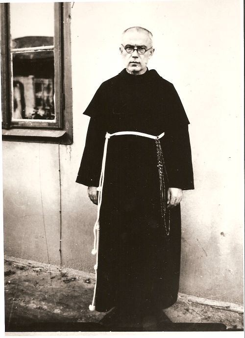 """""""Those who pray never lose hope, even when they find themselves in a difficult and even humanly hopeless plight. Sacred Scripture teaches us this and Church history bears witness to this."""" Pope Benedict XVI on St Edith Stein and St Maximilian Mary Kolbe (General Audience,13 August 2008) // Photo: Saint Maximilia Kolbe"""