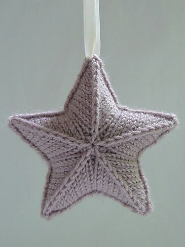Knitted Star - pattern on Ravelry: Stjärna - by Karolina Eckerdal