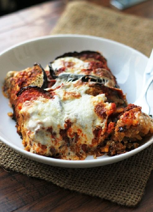 Low FODMAP & Gluten free Recipe - Layered eggplant & quinoa bake   http://www.ibssano.com/low_fodmap_recipe_layered_eggplant_quinoa.html