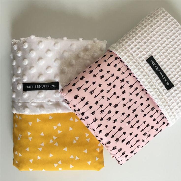 Wagendeken- Wiegdeken - Ledikantdeken OKER & ROZE  aan twee zijden te gebruiken - Muffie & Snuffie - wafelstof - babykamer - kinderkamer - handgemaakt - zwanger - baby - kraamkado