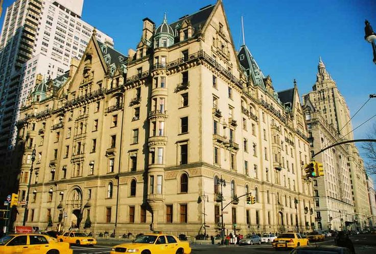 It is my life goal to live in this building!  It represents to me an era I should have lived in.... John Lennon, a short walk to strawberry fields, Rosemary's Baby, creepy hauntings, falling in love, and reaching the top-- literally!