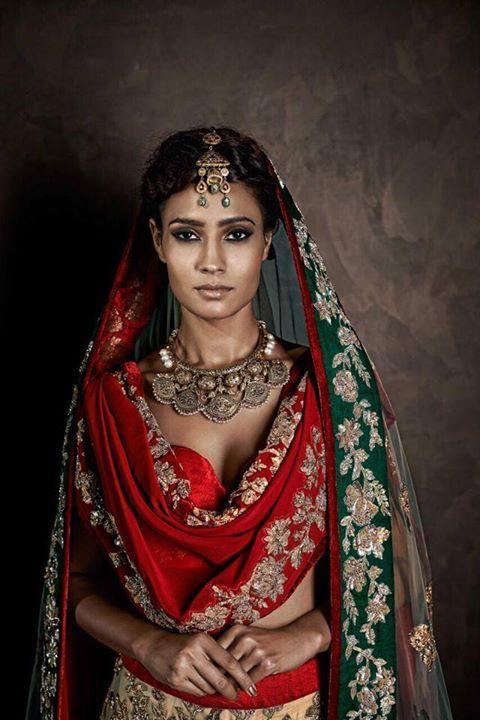 Shyamal & Bhumika. Sari. Saree. Indian fashion. South Asian fashion. Desi fashion. Indian couture.
