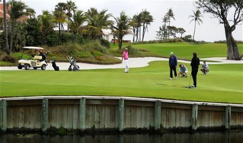 Prepare yourself for an unparalleled golfing experience. Nestled between the Atlantic Ocean and Florida's beautiful Intracoastal Waterway, lies the world renowned Palm Beach Par 3 Golf Course.