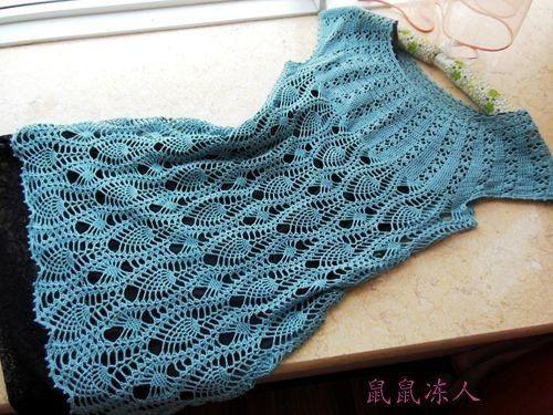 crochelinhasagulhas: Vestido azul com abacaxis em crochê