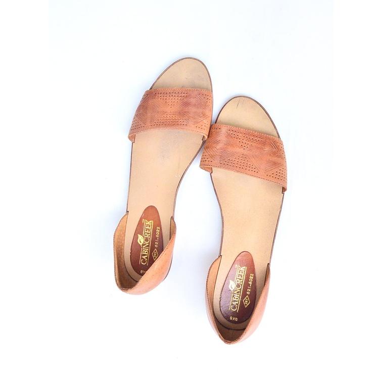 size 9.5 vintage leather huarache sandals. $34.00, via Etsy.
