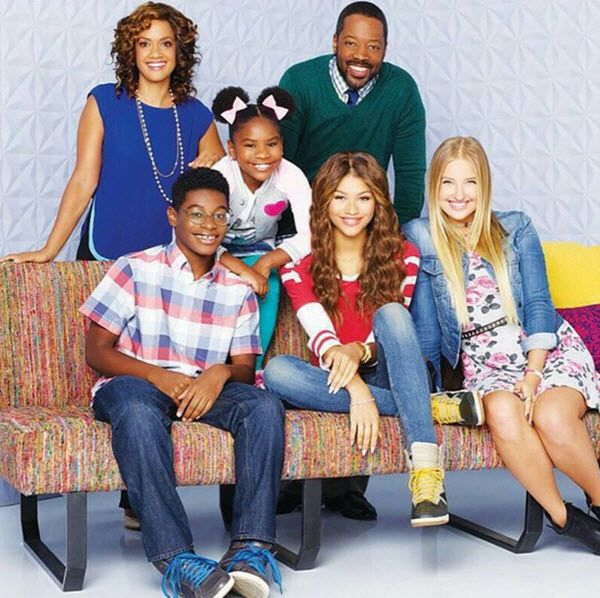 """K.C. Undercover"" Episode ""My Sister From Another Mother… Board"" Airs On Disney Channel January 25, 2015 - Dis411"