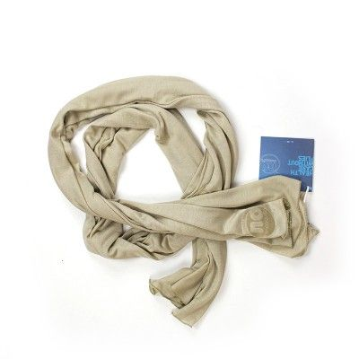 Scarf  (by No Mosquito) at http://www.laranjalimao.com/