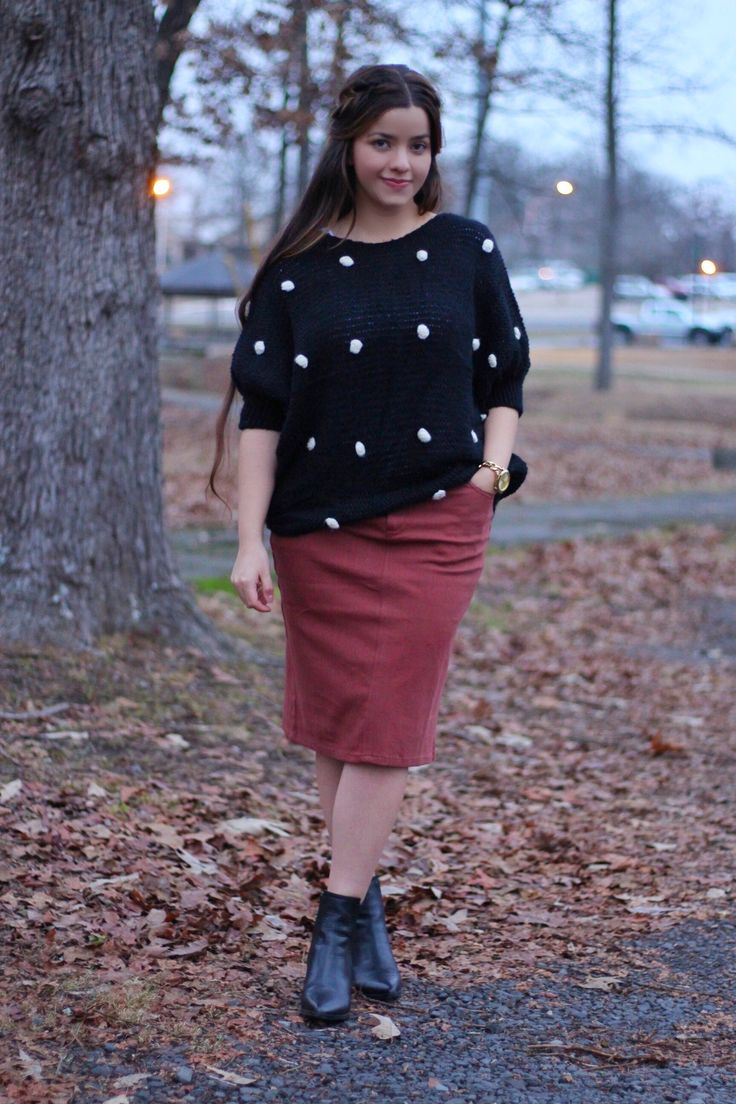Raise your hand if you love polkadots ❤️check out our new Gabriella Polkadot sweater ❤️