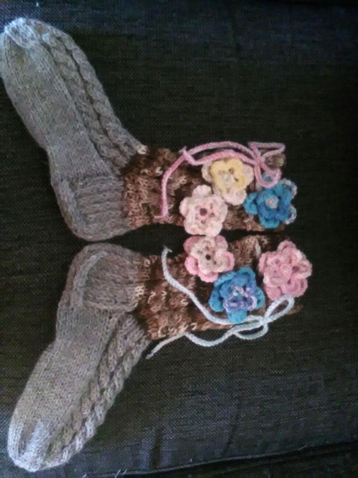 Kukkaisat sukat