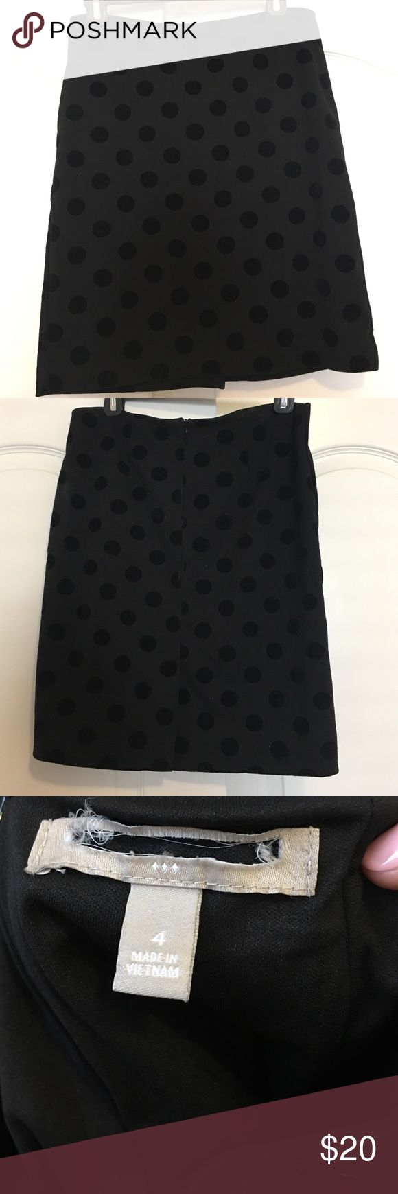 BR velvet polka dot stretch pencil skirt Banana republic skirt purchased from a local boutique that cuts out their tags for resell. Size 4 but is stretch so isn't super tight. Fits right above the knee. Super cute and in great condition! Banana Republic Skirts Pencil