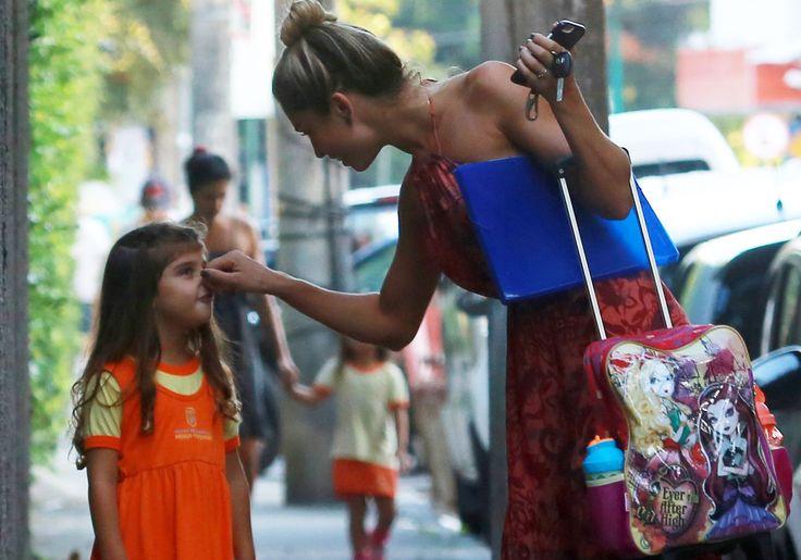 Ela cresceu! Filha de Grazi Massafera e Cauã Reymond prova que a beleza é de família