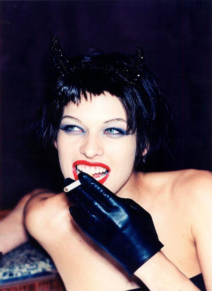 Фото: Милла Йовович,the face 1997