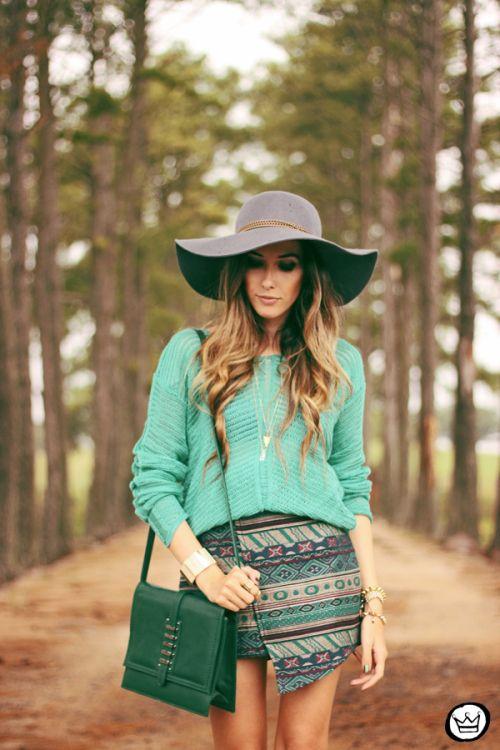 http://fashioncoolture.com.br/2014/02/18/look-du-jour-shades-of-green-2/  (Flavia Desgranges)