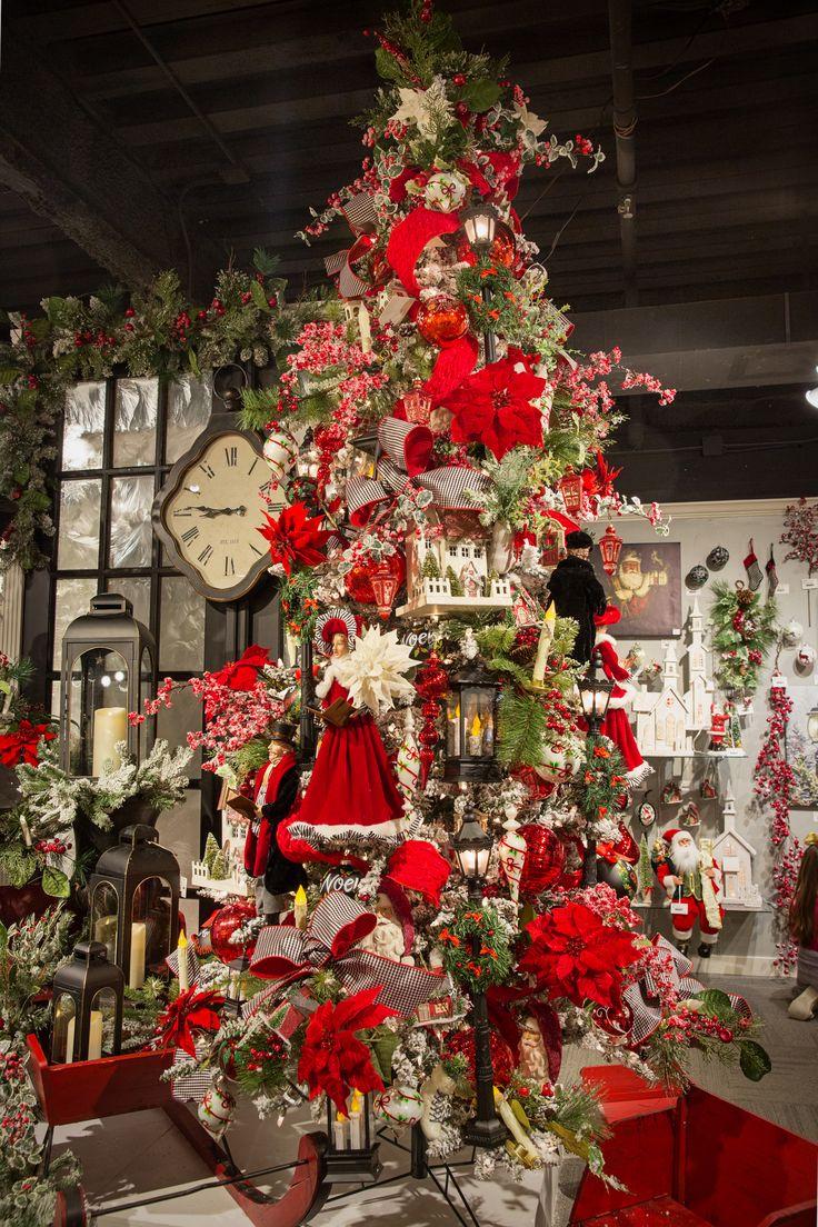 Christmas Tree Caroler - Town Square.