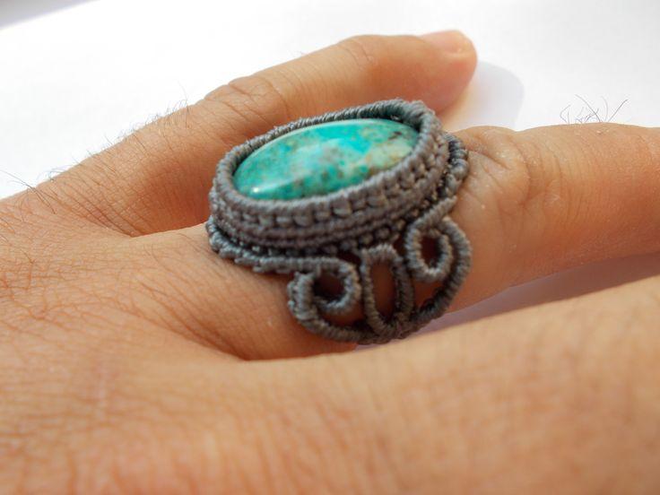 Macramè ring with chrysocolla.