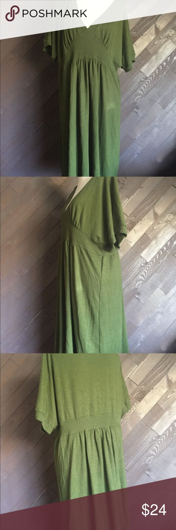 Liz Lee Olive Green Sweater Dress 🌳🌳🌳 Lia Lee olive green sweater dress in excellent used condition. Measures 40 Long & 30 from arm pit to arm pit lia lee Dresses Mini