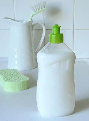 Recette pour fabriquer un liquide vaisselle, à base de produits 100% naturels.