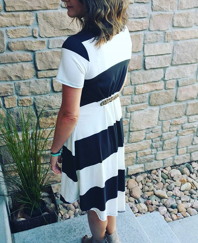 I'm so in love with the Carly this way! If you wear LuLaRoe and don't have Poppy…