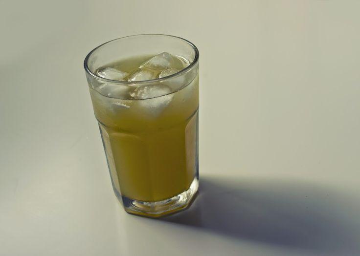 la santé pour tous : Eau chaude citronnée et curcuma – Boisson de guérison puissante et élixir parfait du matin