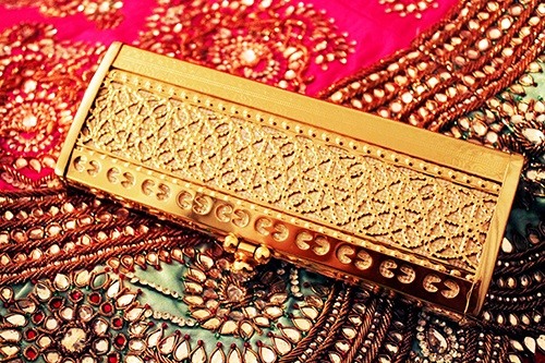 Minaudiere clutch www.amouraffairs.in Amour Affairs   Indian Bride   Indian Wedding   South Asian   Bridal wear   Lehenga   Bridal Jewellery   Makeup   Hairstyling   Indian   South Asian Indian Bridal Hairstyles and Makeup