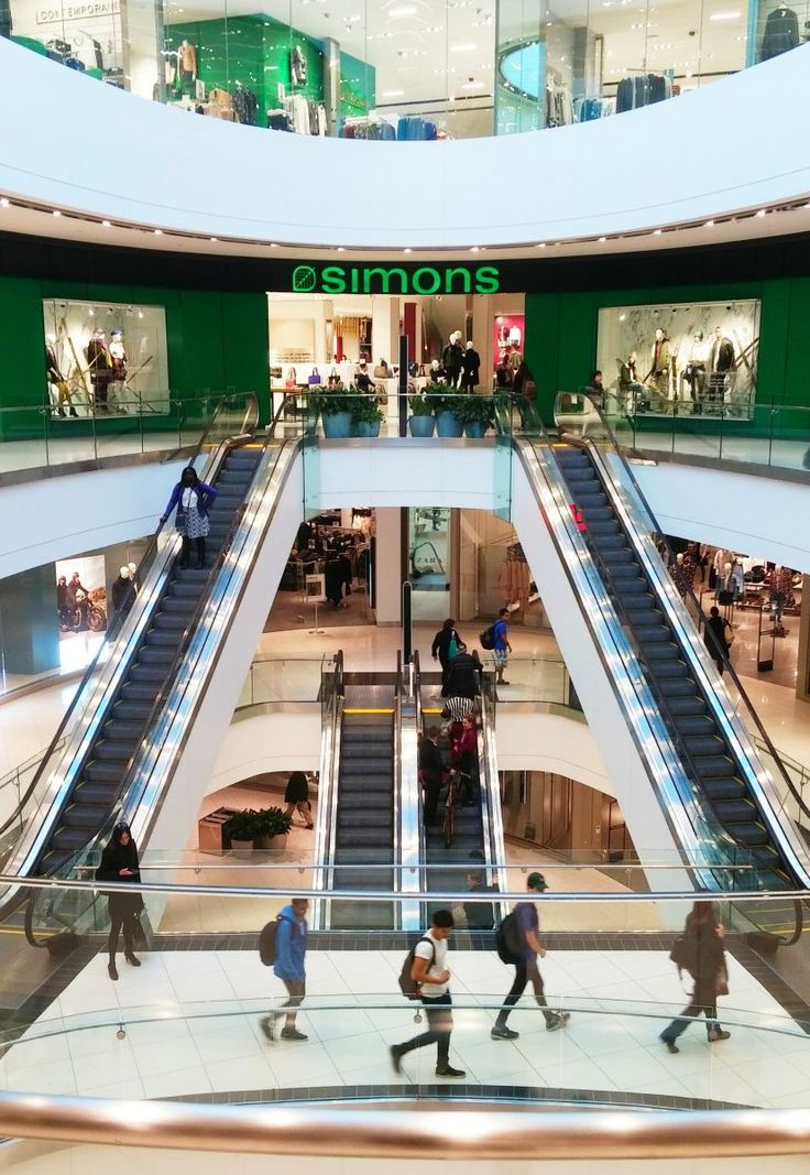 If you haven't experienced the glamorous adventure of exploring the CF Rideau Centre expansion, you're in for a treat! There are so many new stores to love.