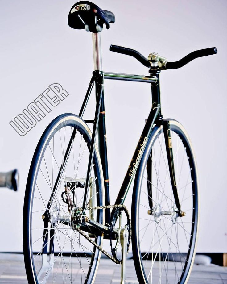 🚲 Kalavinka super exhibition njs pista /Cinelli Grammo ti seatpost /Cinelli maestro/ nitto天返/campagnolo pista group set /carbon rim #kalavinkapista #kalavinkanjs #江戶鷹 #superexhibition #ananta #anantataiwan #anantacog #w_water #wwater #白開水 #白開水cafe #車還是老的好 #track #bikeporn #bicycle #cycle #vsco #trackbike #fixie #keirin #njs #자전거 #픽시 #自転車 #ピスト #死飛 #競輪 #fixedgear Photo by @father_tu