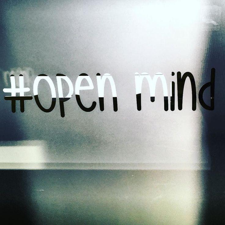Dobrze jest mieć zawsze otwarty umysł. #instaphoto #techcampwaw #paulocoehlo #glasses