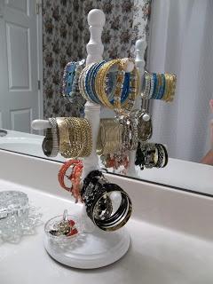 Vintage, Paint and More: Bracelet Organization bracelet organization