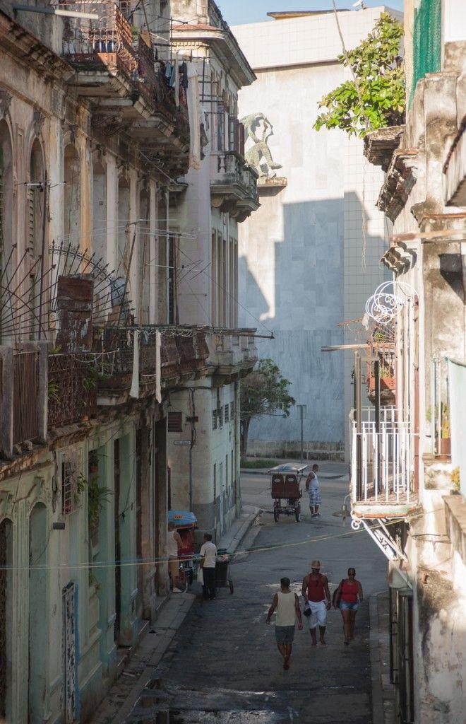 Premiers pas à Cuba, hébergement et astuces (Detour Local) -> Notre quartier dans le centre-ville de la Havane www.detourlocal.com/premiers-pas-cuba-astuces/