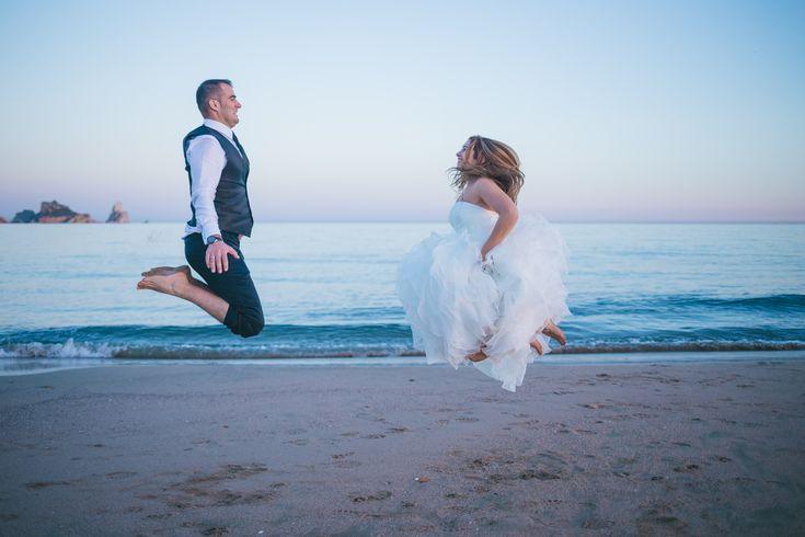 Fotos de pareja divertidas #wedding #bodas #boda #bodasnet #decoración #decorationideas #decoration #weddings #inspiracion #inspiration #photooftheday #love #beautiful #bride #groom #awesome