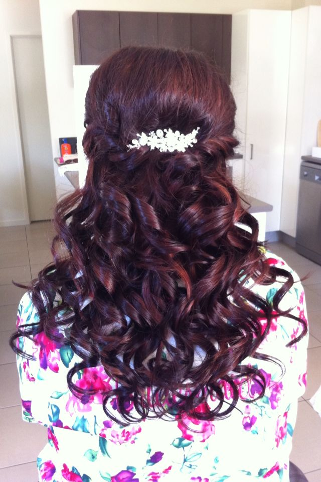 Bridesmaid curls