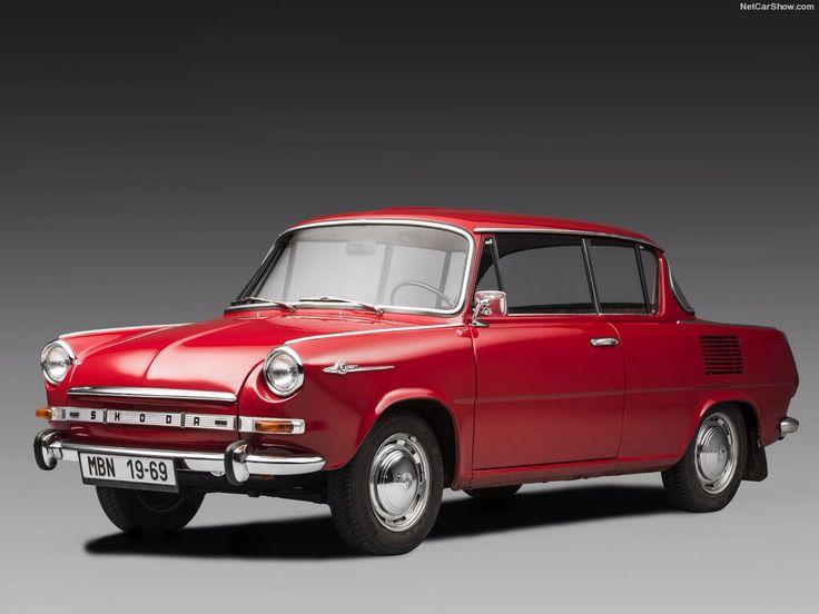 1966 Skoda 1000 MBX De Luxe  Die elegante Zweitürer hatte Premiere auf der Automobilausstellung Genf im März 1966. Die Fünfsitzer mit hinteren Motor / Hinterradantrieb wurde ab Oktober 1966 produziert. Der Antrieb ist ein Vierzylinder-Benzinmotor mit einem Hubraum von 988 cm3 und einer Leistung von 38 kW (52 PS) bei 5000/min. Mit einem Leergewicht von 815 kg und eine Nutzlast 375 kg erreicht das Auto eine Höchstgeschwindigkeit von 127 km/h.