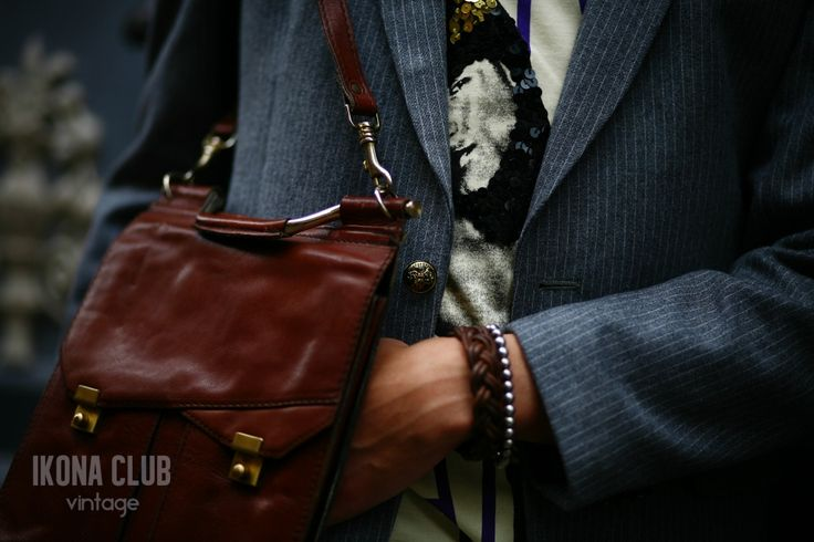#STREET #FASHION #VINTAGE #STYLE #BLOG #ACCESSORIES #DETAILS #BLAZER #T-SHIRT #BUTTONS #BAG