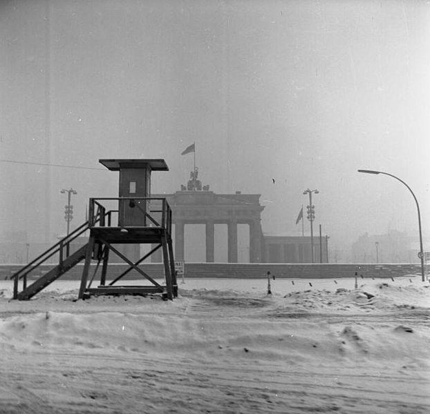 Brandenburger Tor am 15.Februar 1963 Winter im kalten Krieg