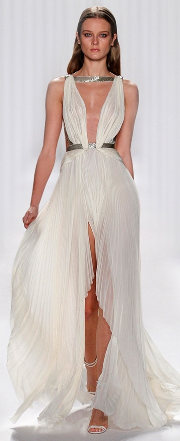 1000  ideas about Goddess Dress on Pinterest  Couture Queen ...