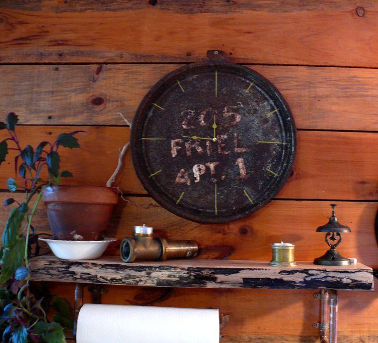 Belle horloge de style industriel de la boutique Recytrucs sur Etsy