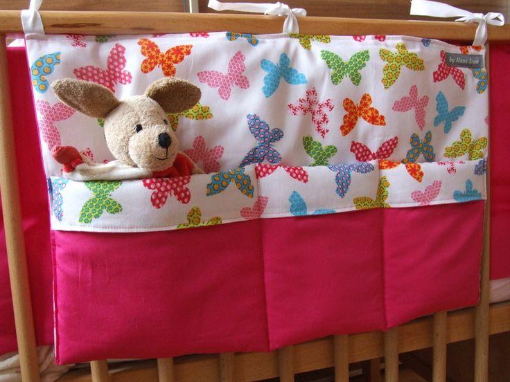 *Schmetterlinge fürs Babyzimmer*  Großes Bettutensilo 48x35 cm aus wunderschönen Baumwollstoffen mit Volumenvlies verstärkt.  Es bietet Platz fürs ...