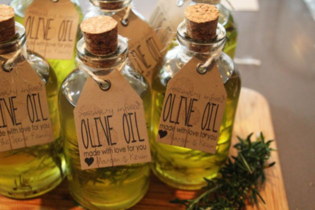 Plus, olive oil is such a versatile product that you can basically create something from it that will please everyone. Check out just a few of the fantastic do-it-yourself ideas that we have recently run across on .