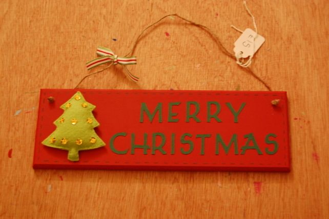 Handmade 'Merry Christmas' felt Christmas Tree sign,plaque,hanging, red,green £14.99