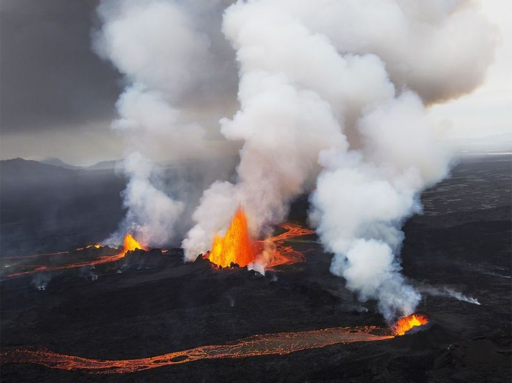 volcano-aerial-iceland_84064_990x742