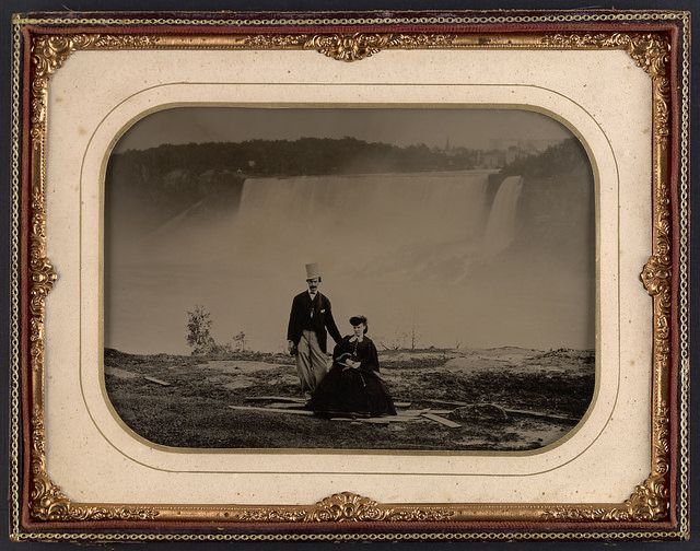 Couple in front of Niagara Falls, circa 1858 / Un couple devant les chutes Niagara vers 1858 | by BiblioArchives / LibraryArchives