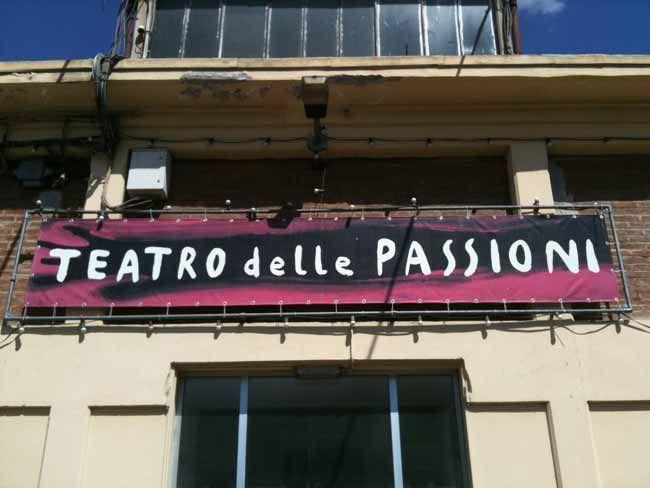 #TEATRO DELLE #PASSIONI , Viale Sigonio 382, 41124 #Modena Biglietteria telefonica: 059/2136021 dal lunedì al venerdì ore 9/13  info@emiliaromagnateatro.com Seguilo su www.emiliaromagnateatro.com