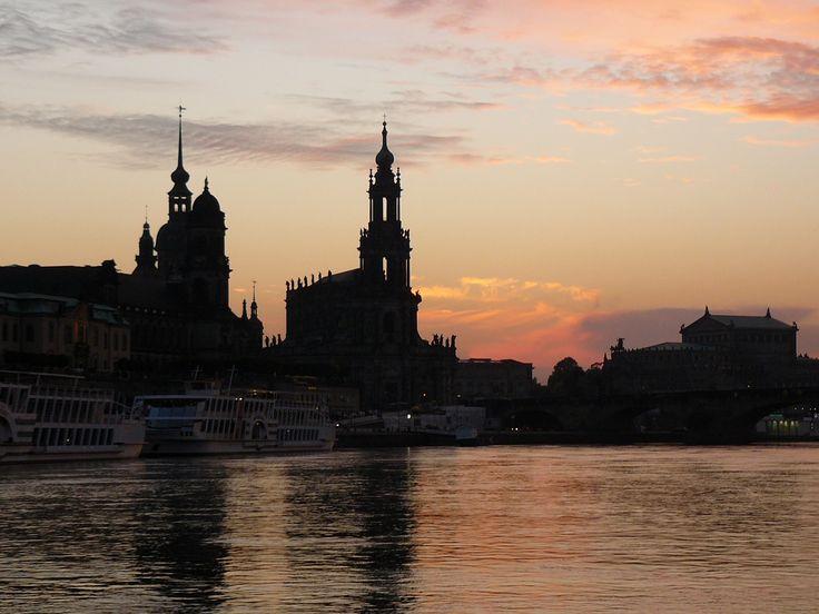 Dresden, Elbe, Raddampfer, Frauenkirche, Stadt