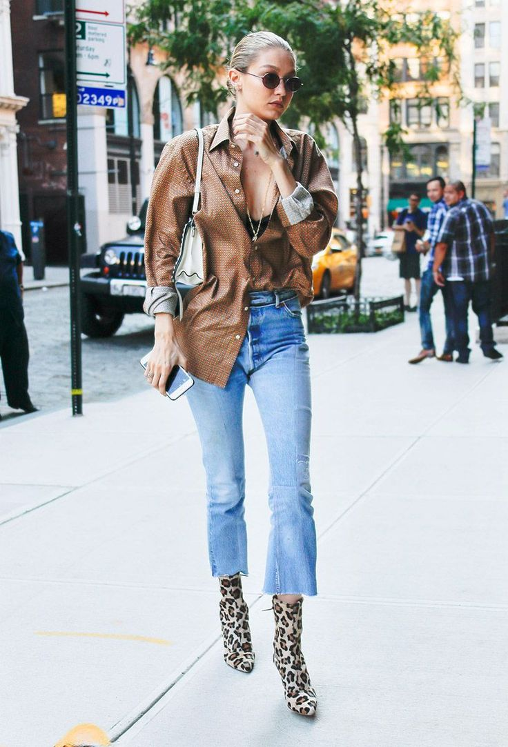 In An Etro Top, Re/Done Jeans And Stuart Weitzman Boots - In New York City, 2017